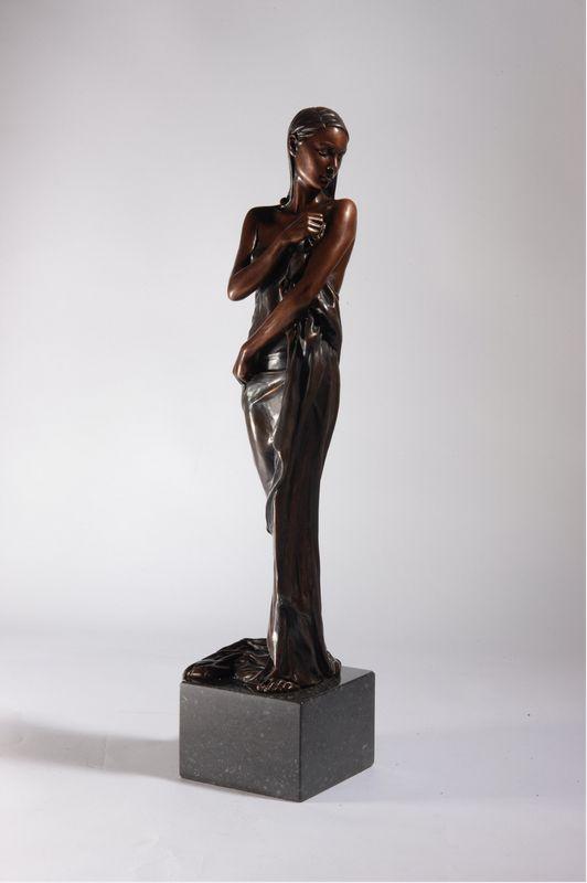 Timeless Beauty  - Bronze by Rob Hefferan